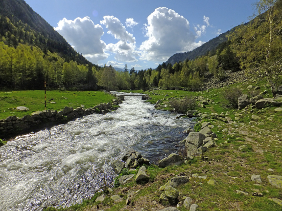 Discover the nature of the Pyrénées… through the hiking trails of the Natural Parks in Andorra