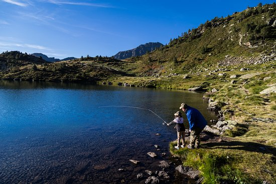 Horse riding trails, fishing, picnics… A perfect summer in Andorra!